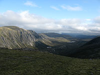 Gleann Einich from the top of Coire Dhondail